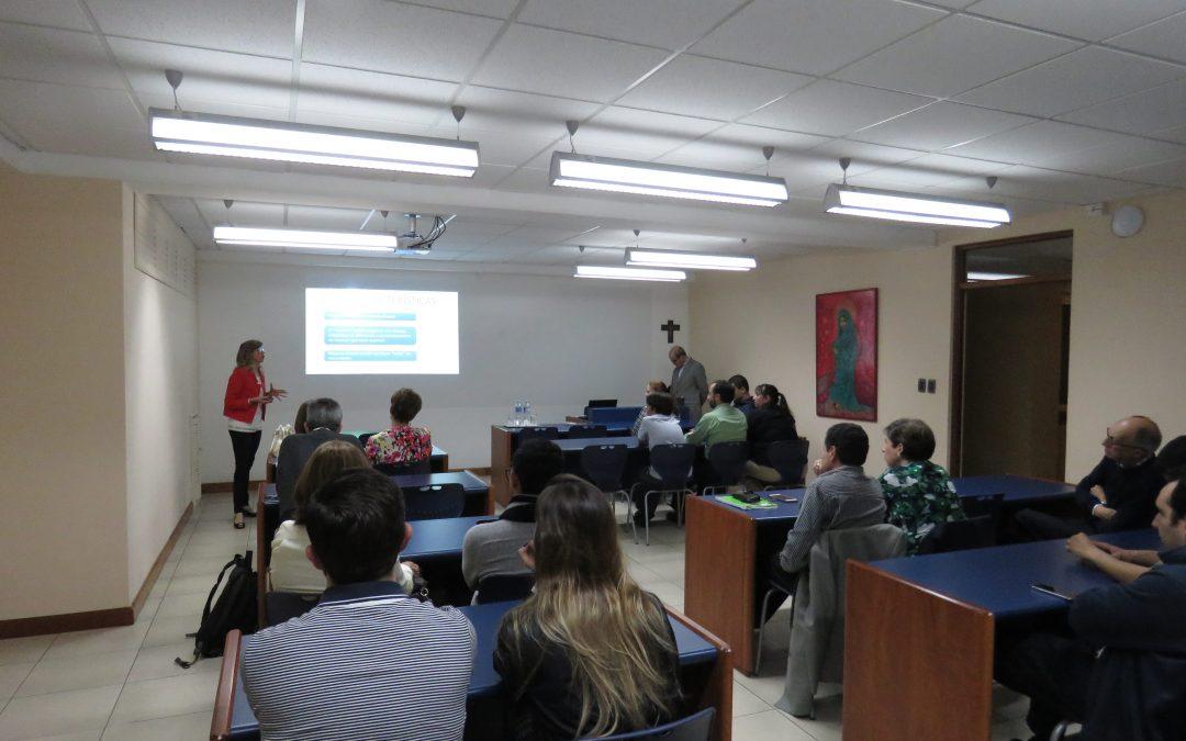 """Conferencia sobre """"Amor maduro"""" para padres de familia del Club Universitario"""