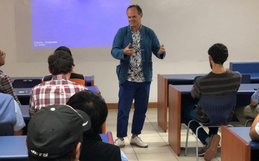 Emilio Méndez estuvo en el Aula de Emprendimiento del Club Universitario