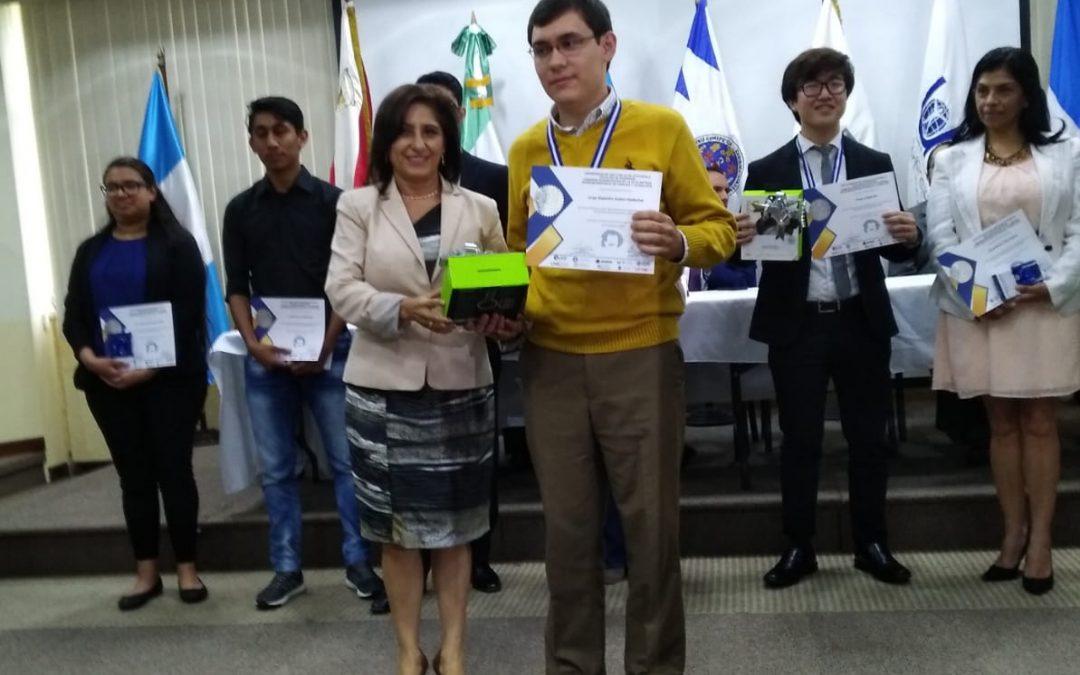 Residente de Balanyá triunfa en Olimpiada Interuniversitaria de Ciencia y Tecnología