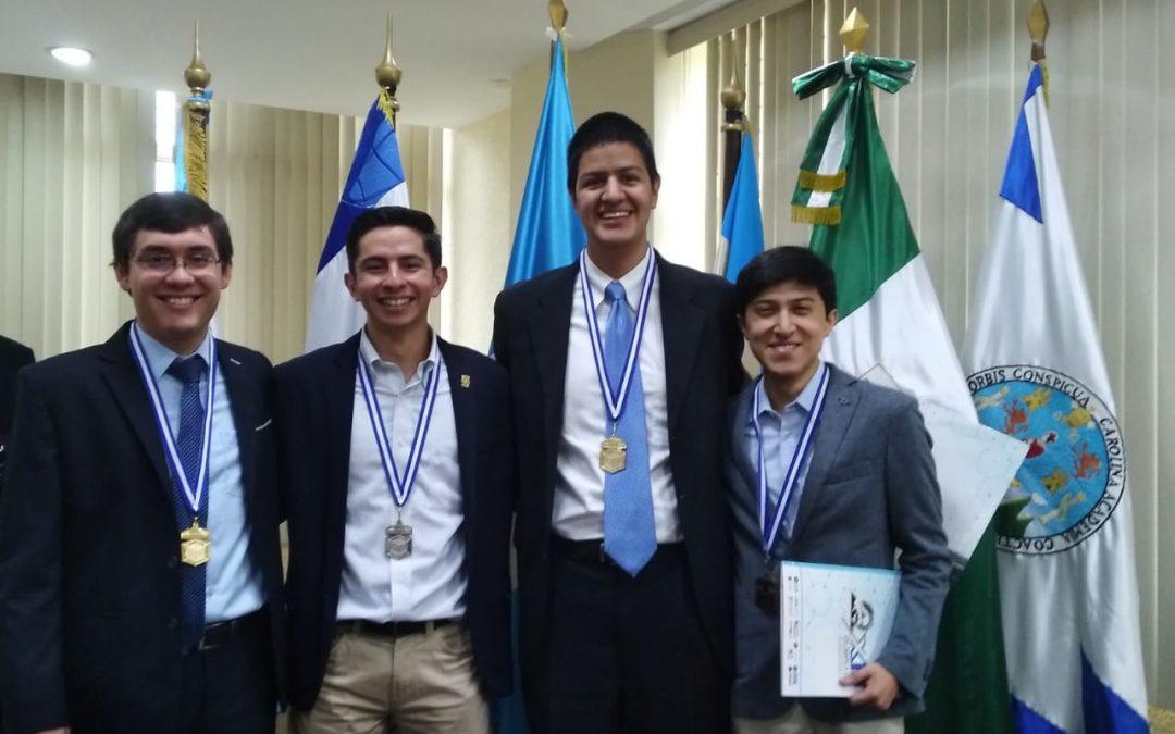 Jorge Ávalos y Marco Fuentes obtienen premios en las Olimpiadas Interuniversitarias 2019